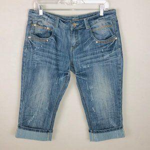 Almost Famous Light Wash Cuffed Capri Jeans